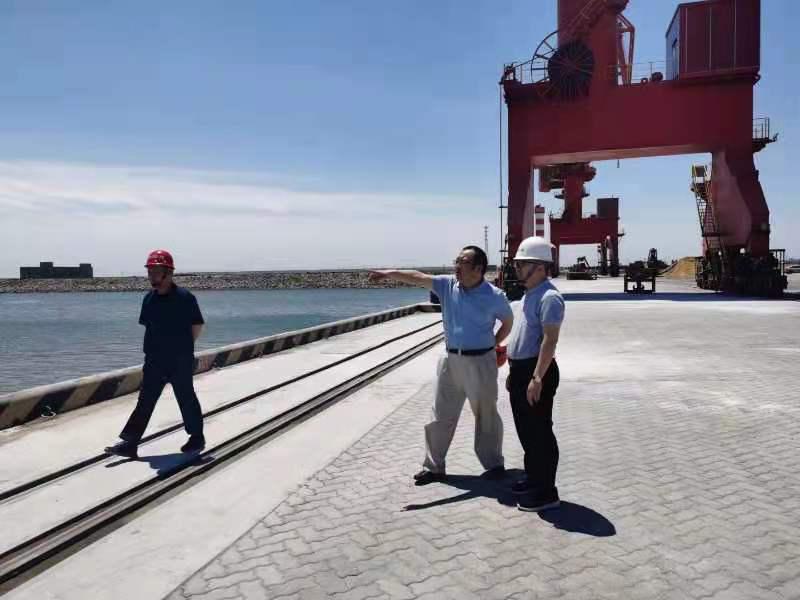 天津兵工物資總經理方月光一行到訪中物港務