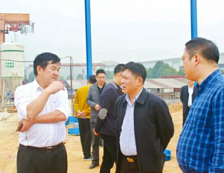 2017年11月,諸暨市人大常委會主任姚漢松調研天潔