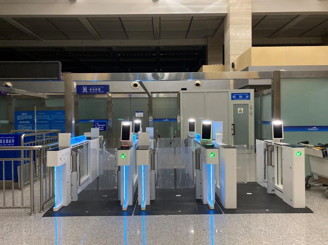 千帆自助安檢閘機助推吐魯番機場智慧升級