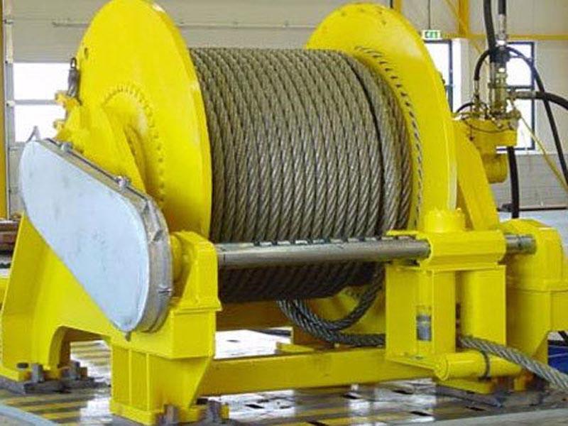 单卷筒液压拖缆机