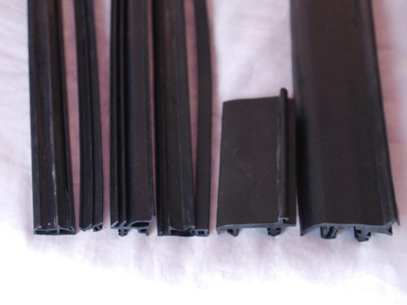 鋁木配套條