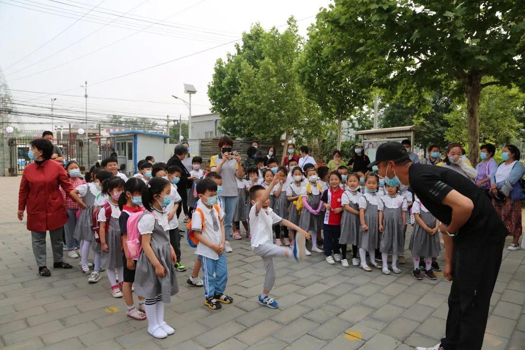 欢迎北京市房山区D一双语实践幼儿园到我校参观学习