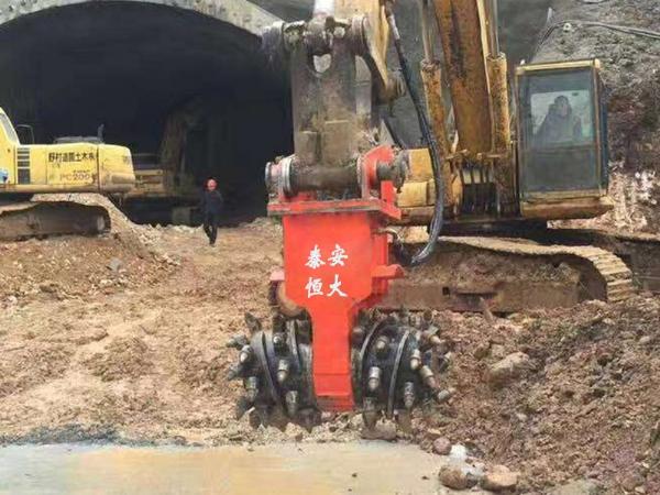 RW系列液壓巖土銑挖機