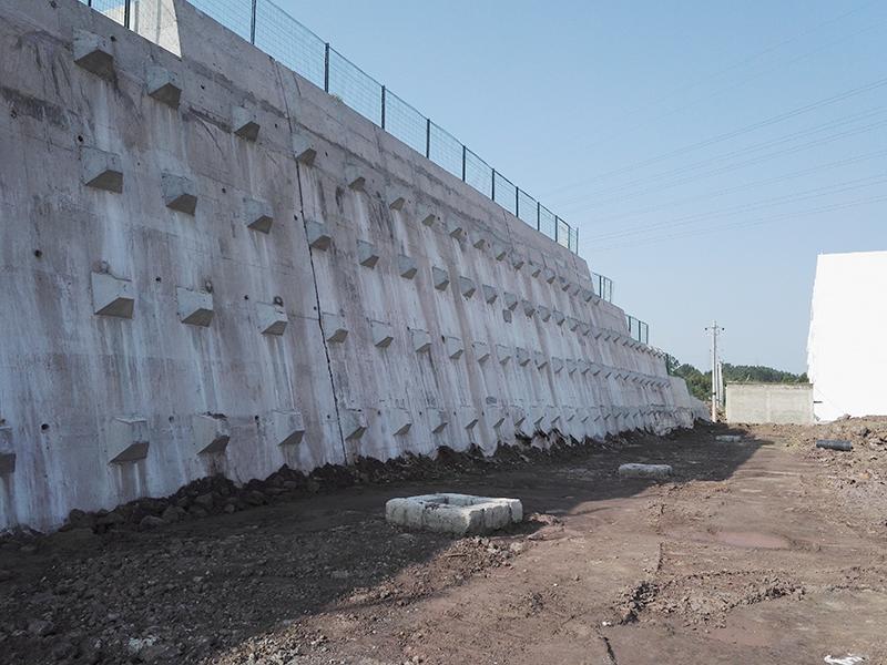 銅梁東城中學遷建工程邊坡支護工程
