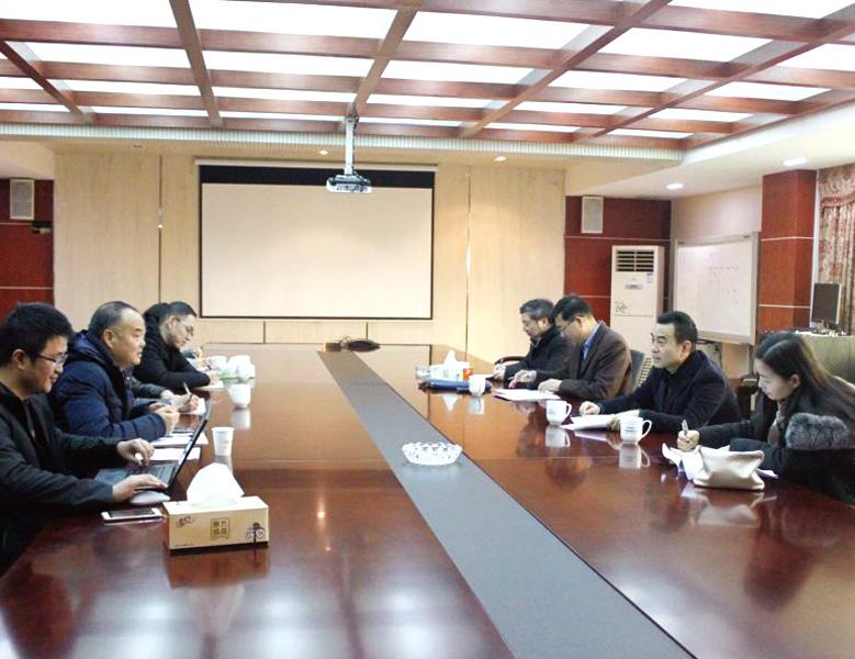 2018年12月,浙江省生態環境廳黨組副書記、副廳長虞選凌調研天潔