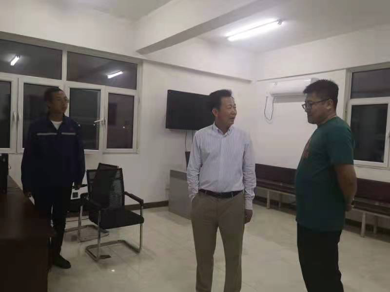 中物華商集團董事長劉景福突擊夜查碼頭