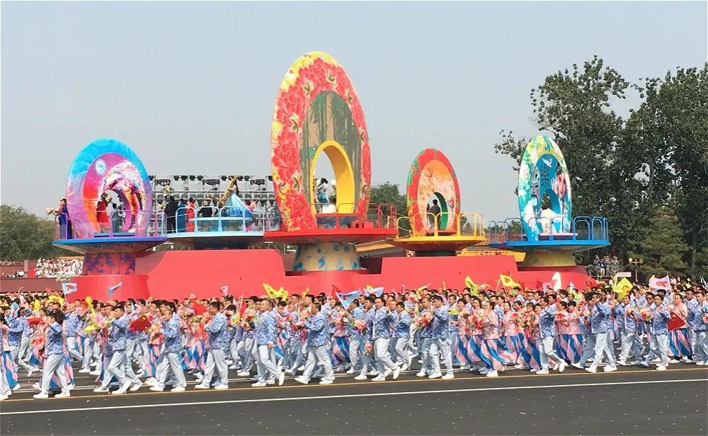 新中国成立50、60、70周年阅兵仪式?5