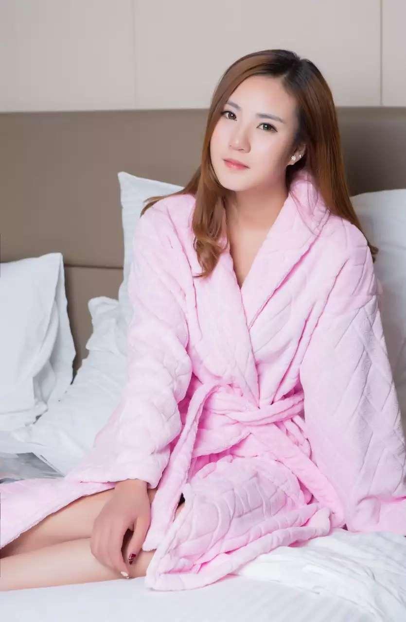 君芝友酒店用品割绒浴袍 外层割绒内层毛圈酒店用纯色睡衣 五星级酒店全棉浴服