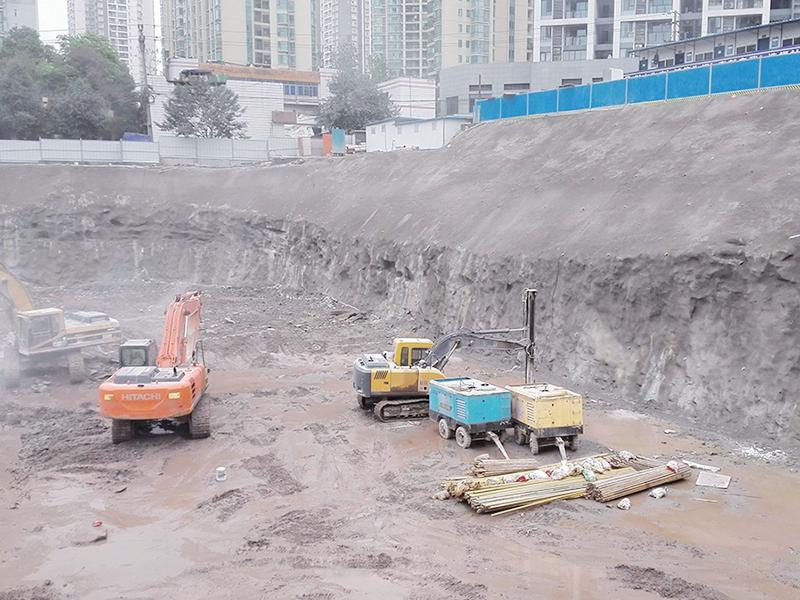 碧桂園新牌坊項目基地支護工程