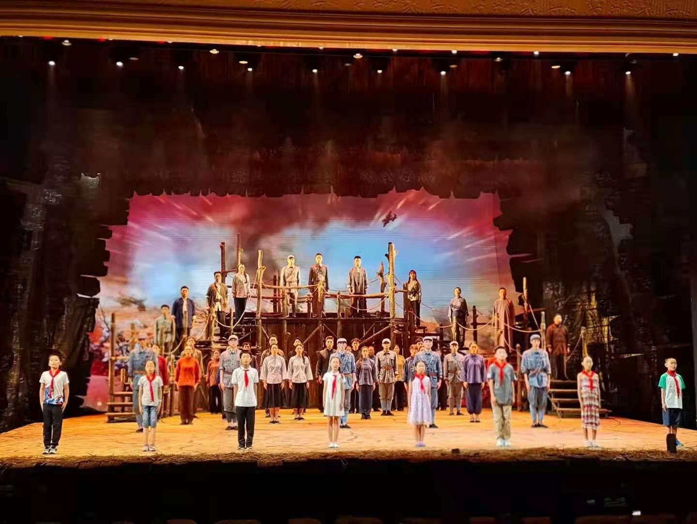 赓续红色基因—我校学生参加演出北京市房山区大型民族音乐剧《没有共产党就没有新中国》